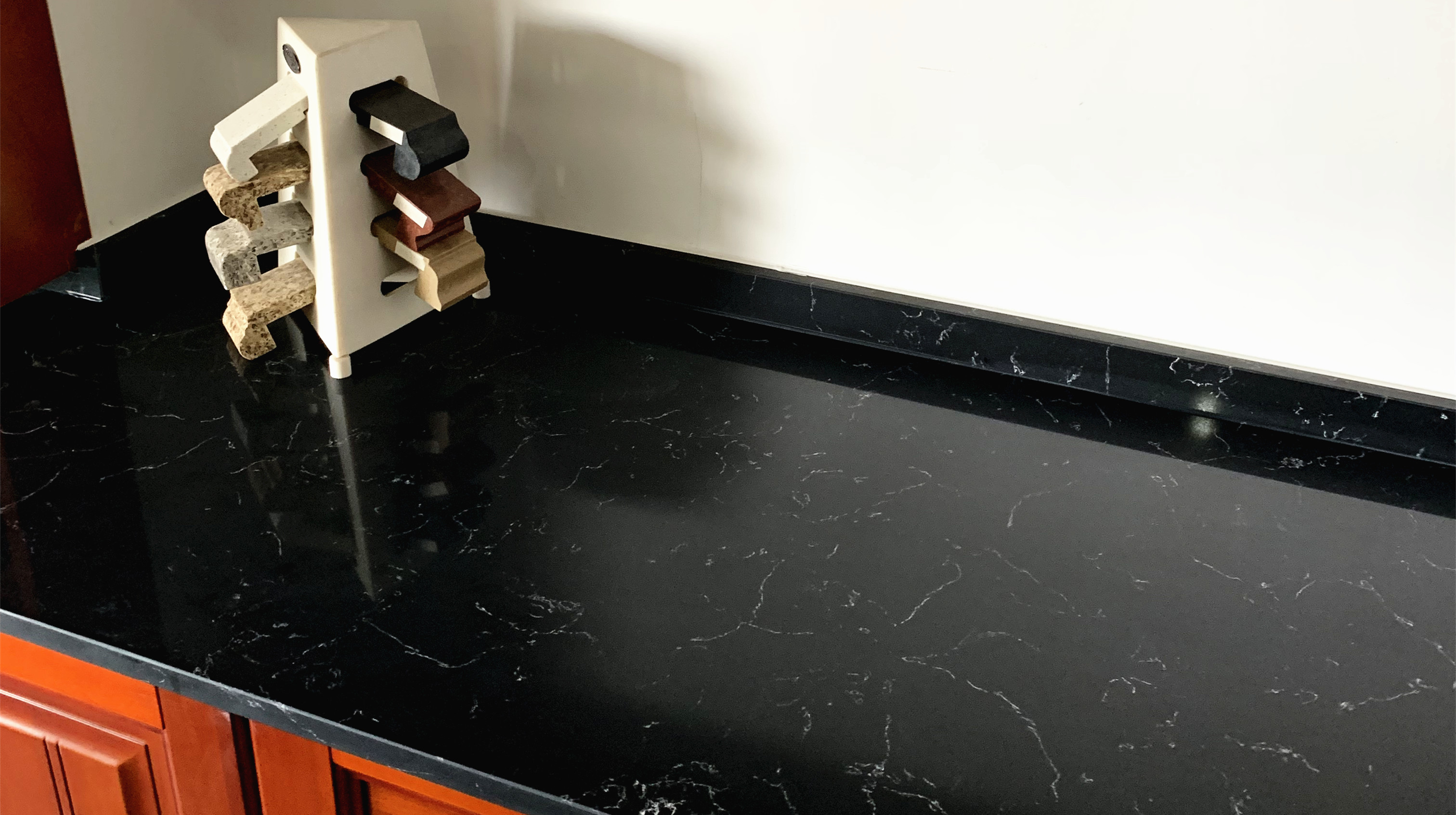 DL-19630 Victoria Black Quartz Slab Counter Top